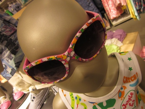 Bethypoo giggled at this mannequin, then tried to steal the shades.